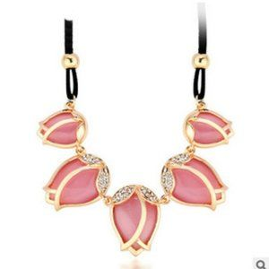 pink tulip necklace